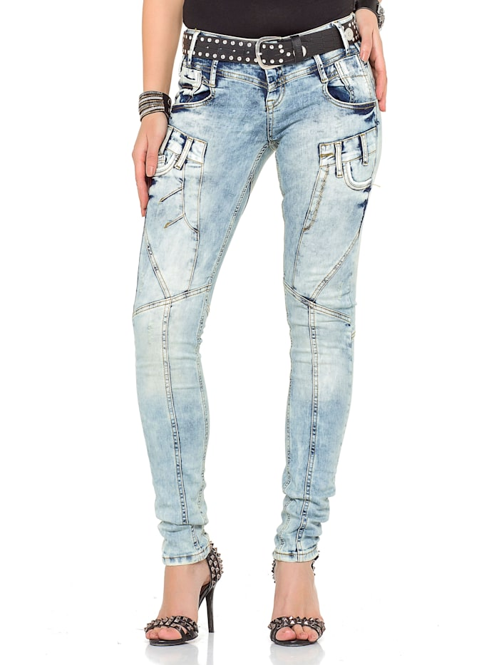 Jeanshose mit praktischem Gürtel