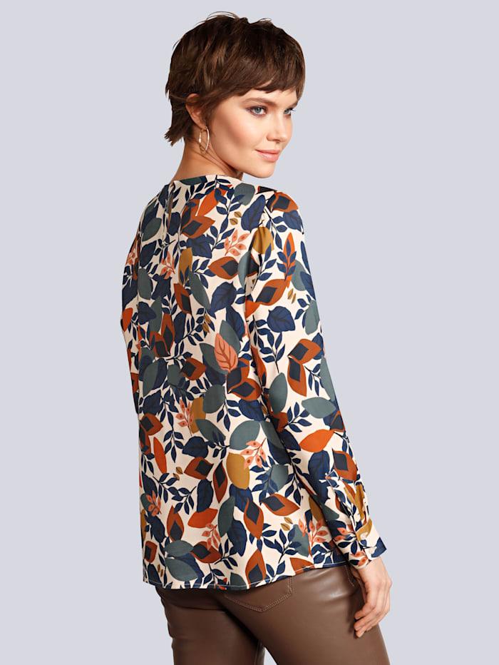 Blusenshirt im farbharmonischen Blätterdessin