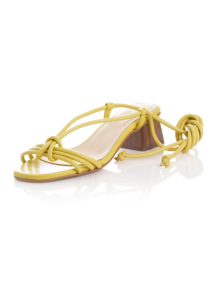 Alba Moda Sandaaltje met blokhak in houtlook, Geel