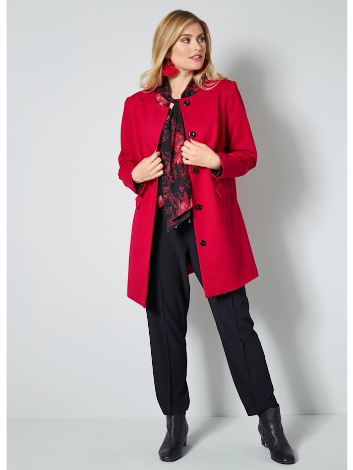 Robe manteau met pasvormnaden