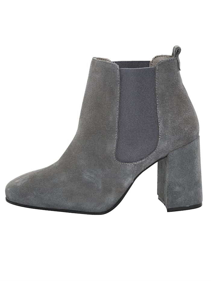 Chelsea ankle boot Made of high-quality velour leather