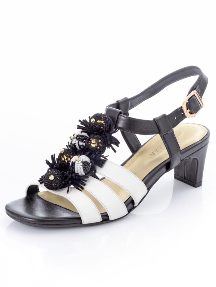 Sandalette mit modischer Applikation auf den Riemchen