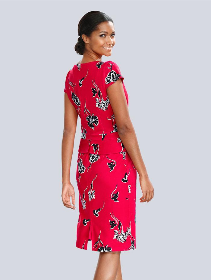 Kleid mit angesetztem Schößchen