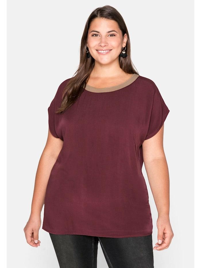 Sheego Shirt mit Kontrast-Ausschnitt und weiten Ärmeln, barolo