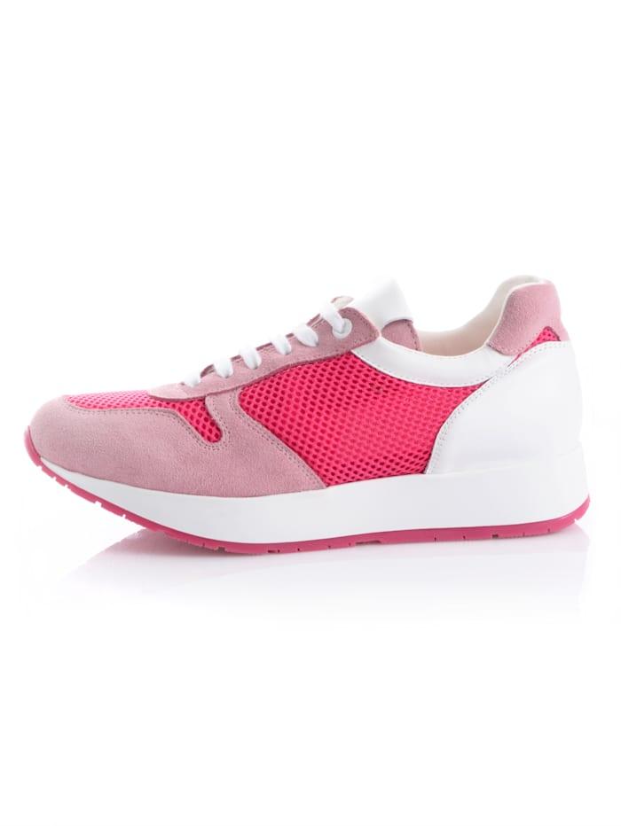 Sneaker in een vrouwelijke kleur