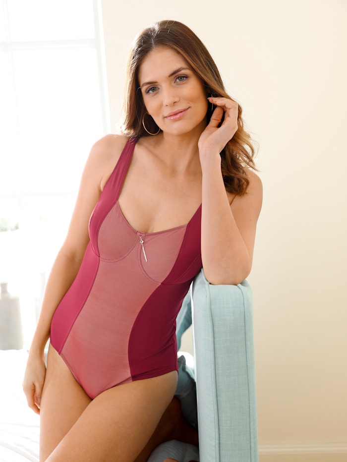 Control Body with square neckline