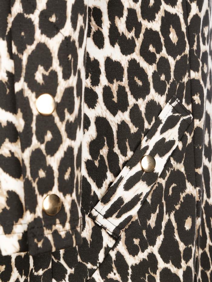 Kleid im Leomuster