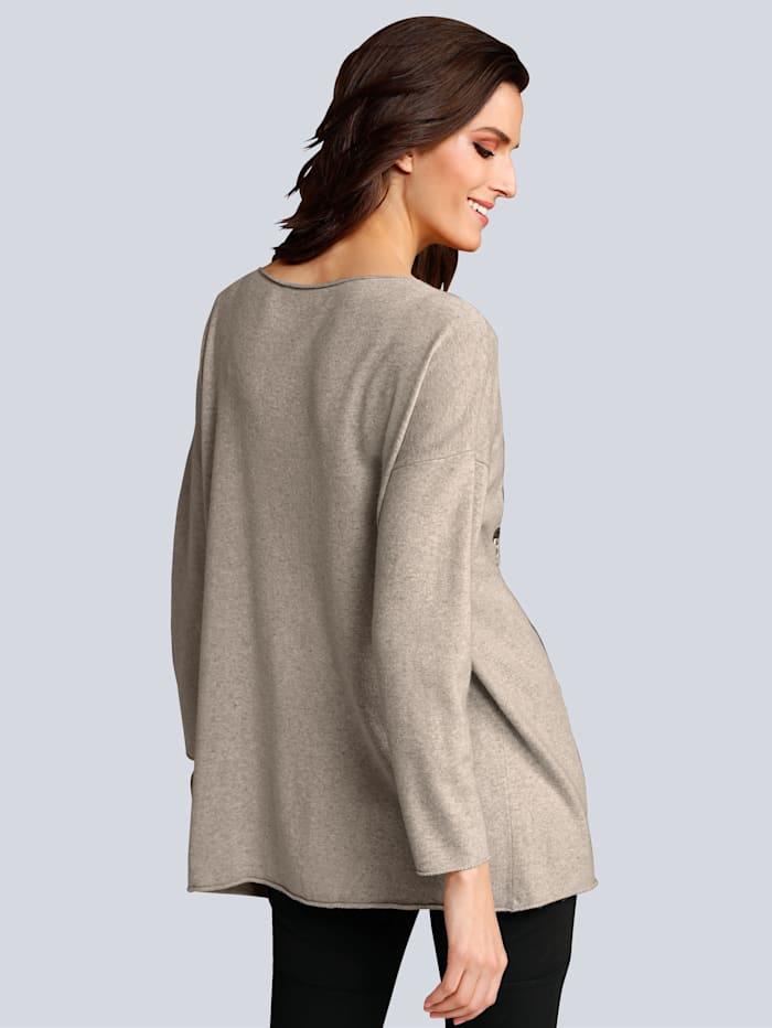 Pullover mit Schriftzug im Vorderteil