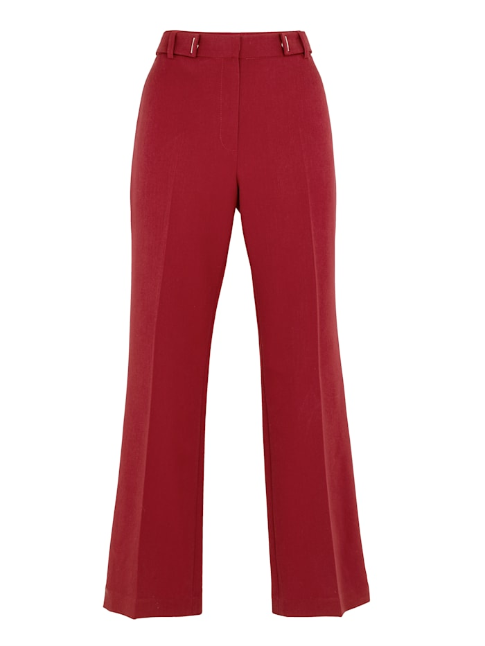 Trousers in a tailored cropped style
