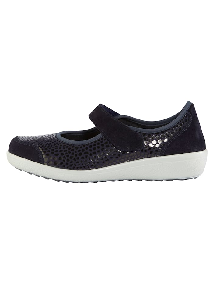 Slip-on shoes with elasticated front panels