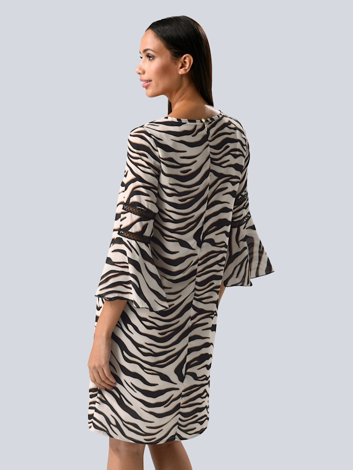 Kleid im modischen Animal-Dessin allover