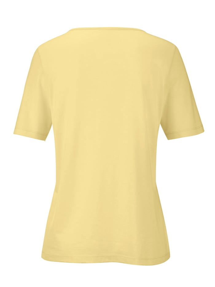 T-shirt with sweetheart neckline