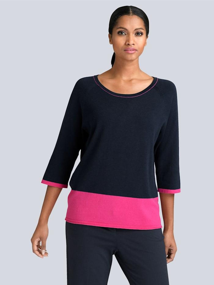 Pullover in modischem Colorblocking