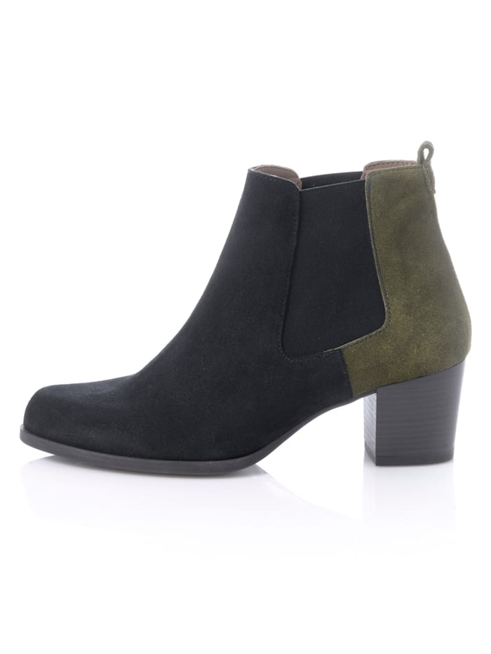 Chelsea boot in bicolor look