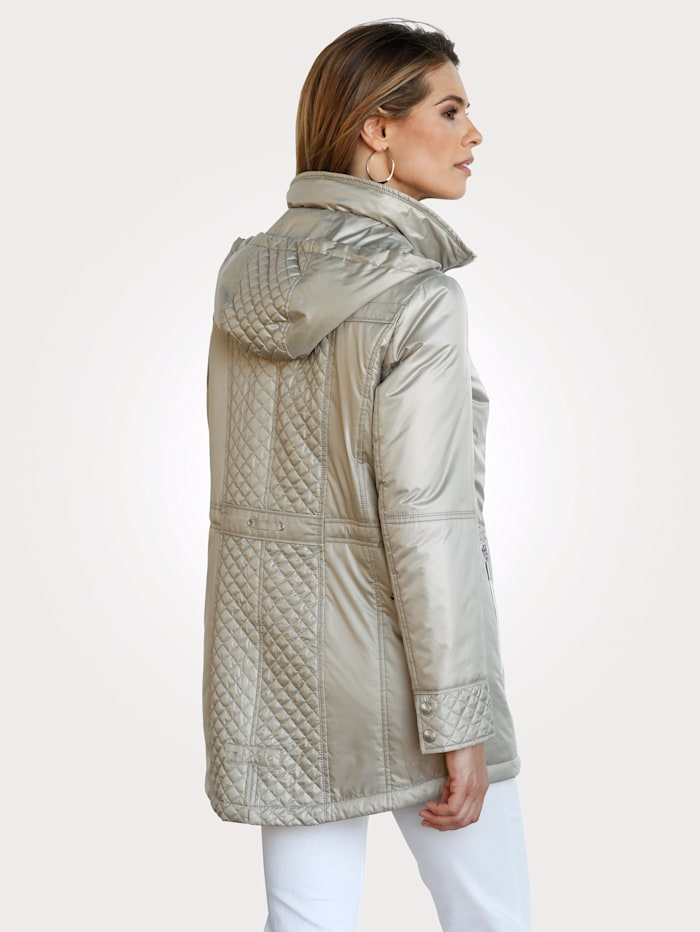 Jacket with a high-quality lining