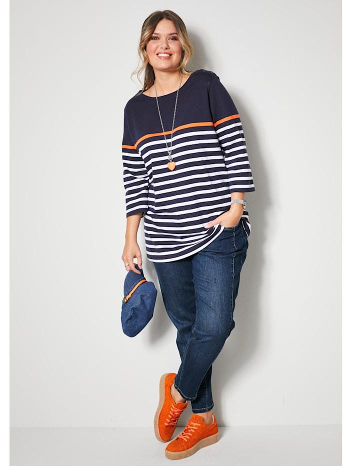 Jeans mit streckender Dekonaht vorne