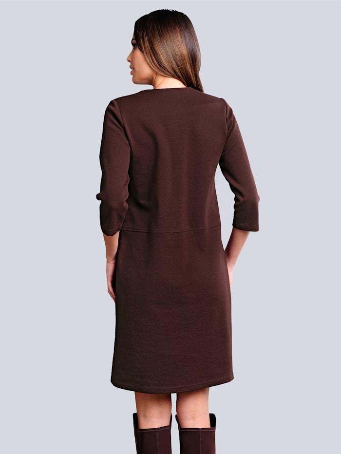 Jerseykleid mit Detailverarbeitung am Ausschnitt