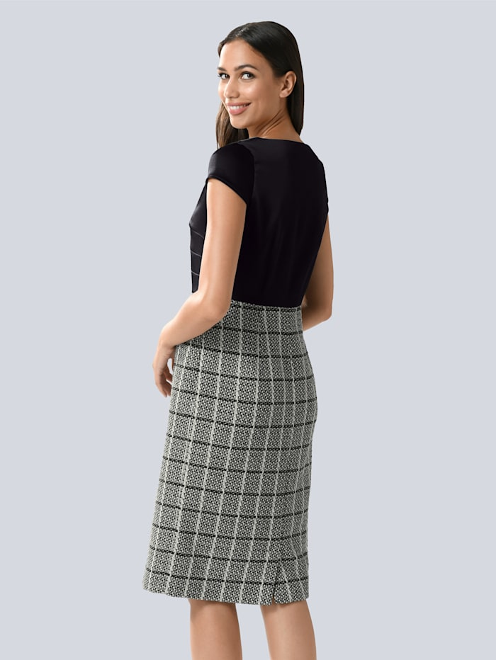 Kleid mit satiniertem Oberteil