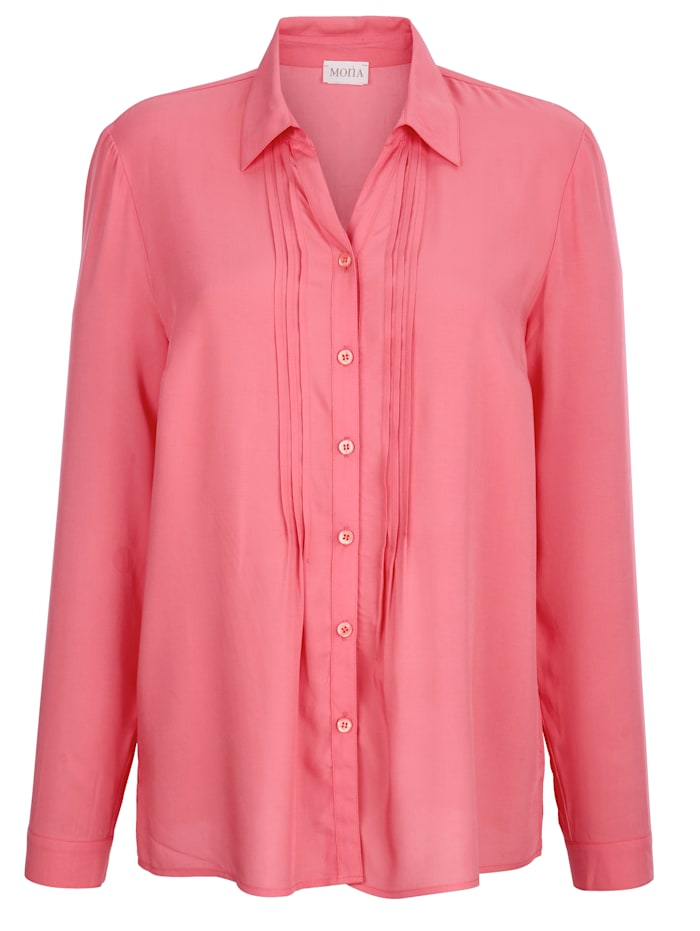 Blouse with pintuck detailing