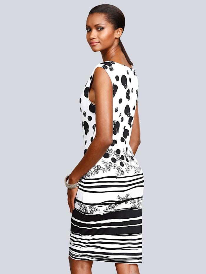 Úpletové šaty s grafickým potiskem