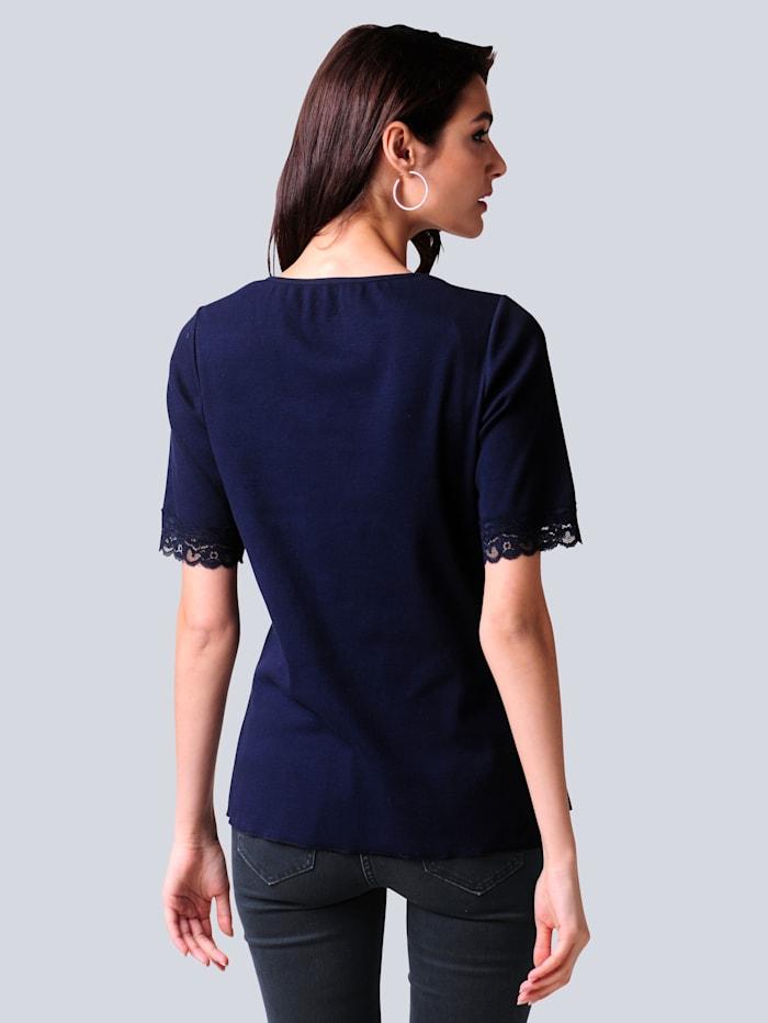Shirt in feminier Rippenqualität