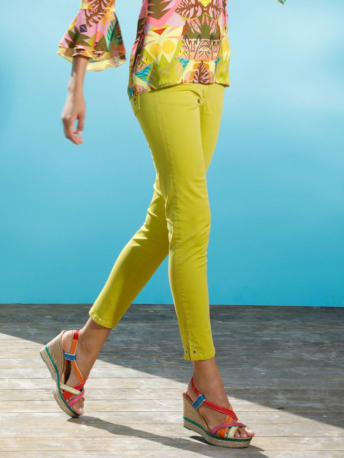 AMY VERMONT Jeans med nitar och öljetter, Gul