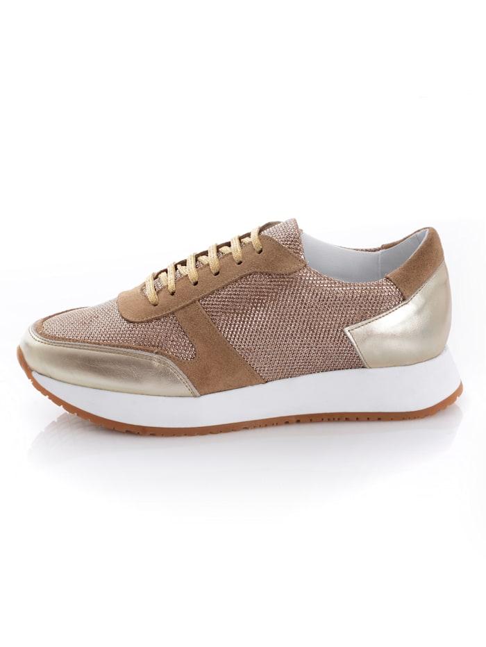 Sneaker mit Plateau