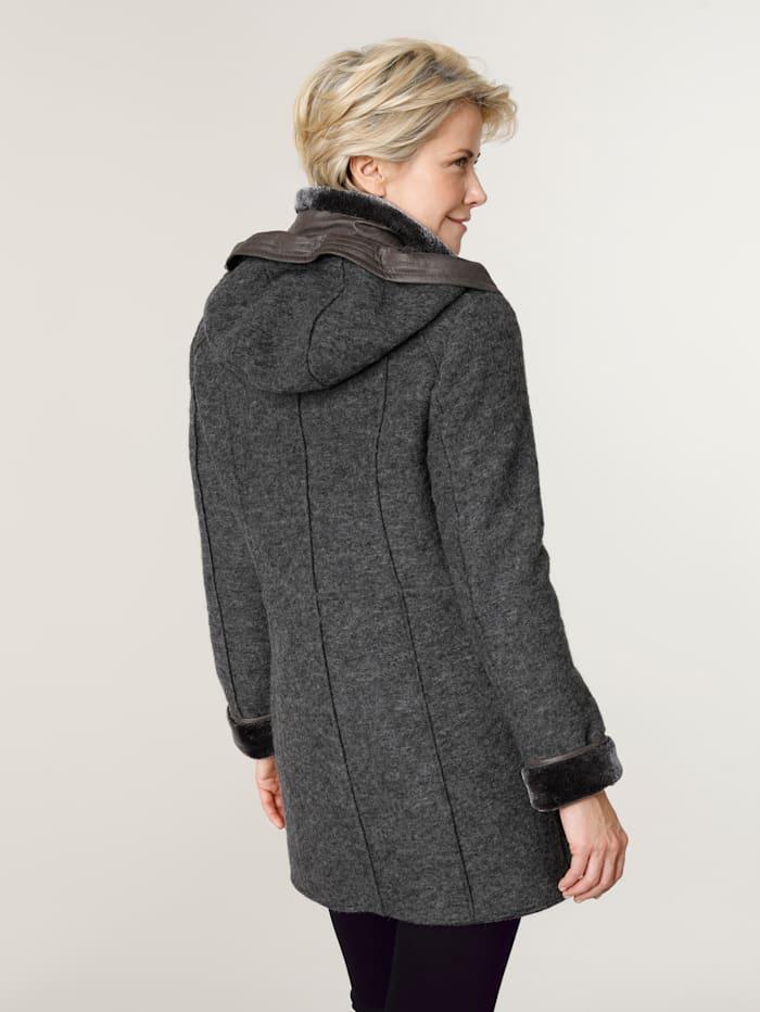 Wollen mantel