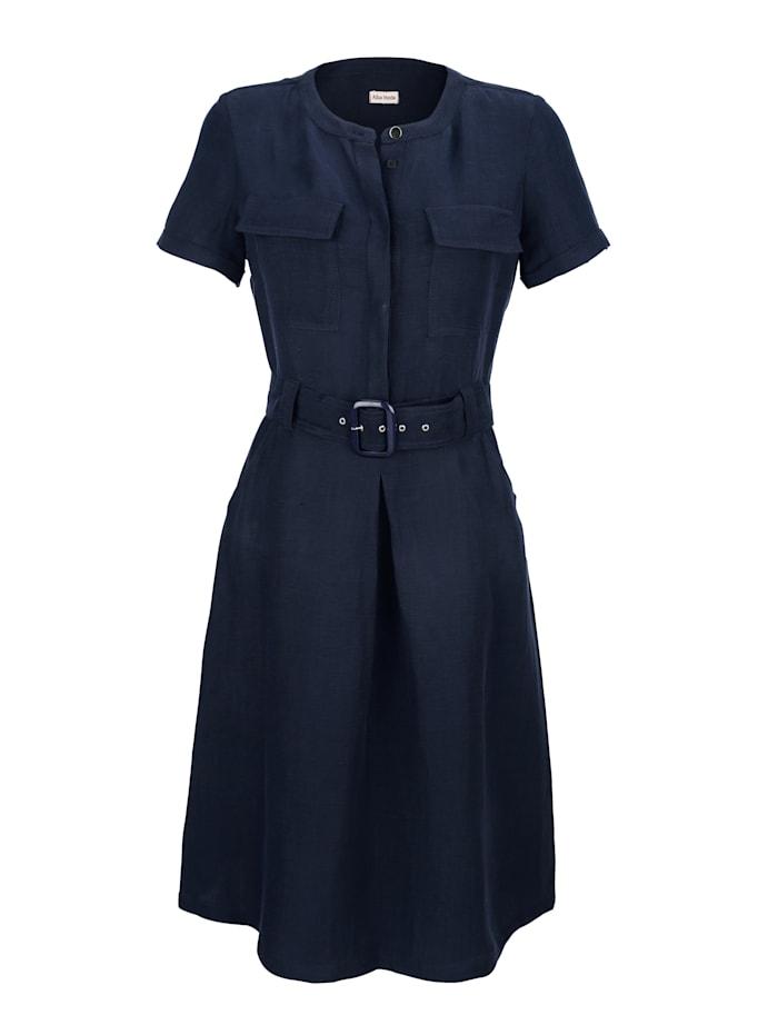 Kleid aus einer Leinenmischung