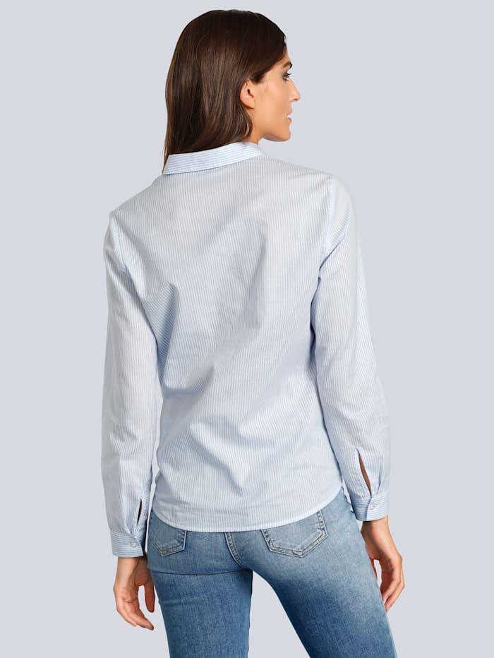 Bluse mit feinen Streifen