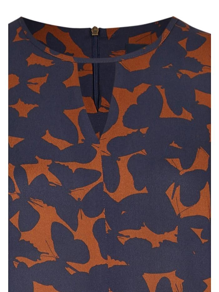 Modisches Kleid mit Schmetterlings-Print