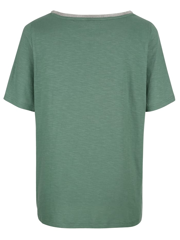 T-shirt à encolure féminine