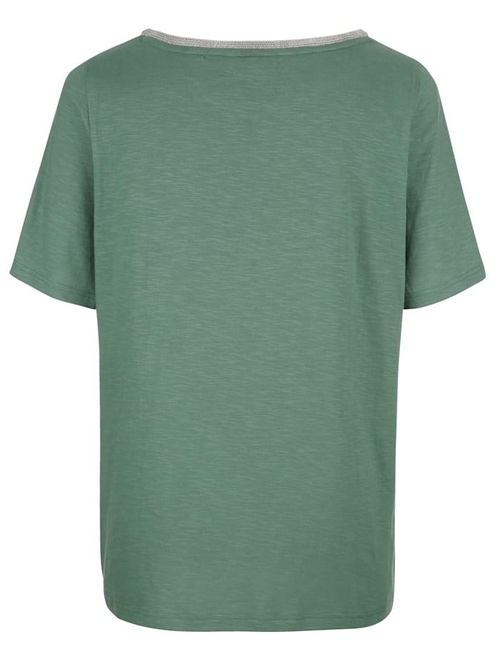 Tričko s hezkým výstřihem