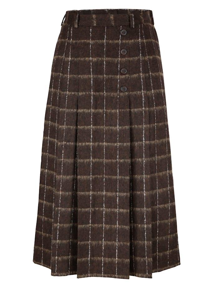 Skirt made from a wool-blend fabric
