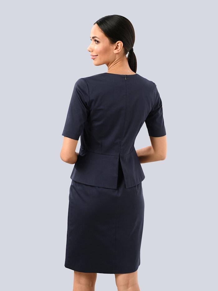 Kleid mit Volant in der Taille und der vorderen Mitte