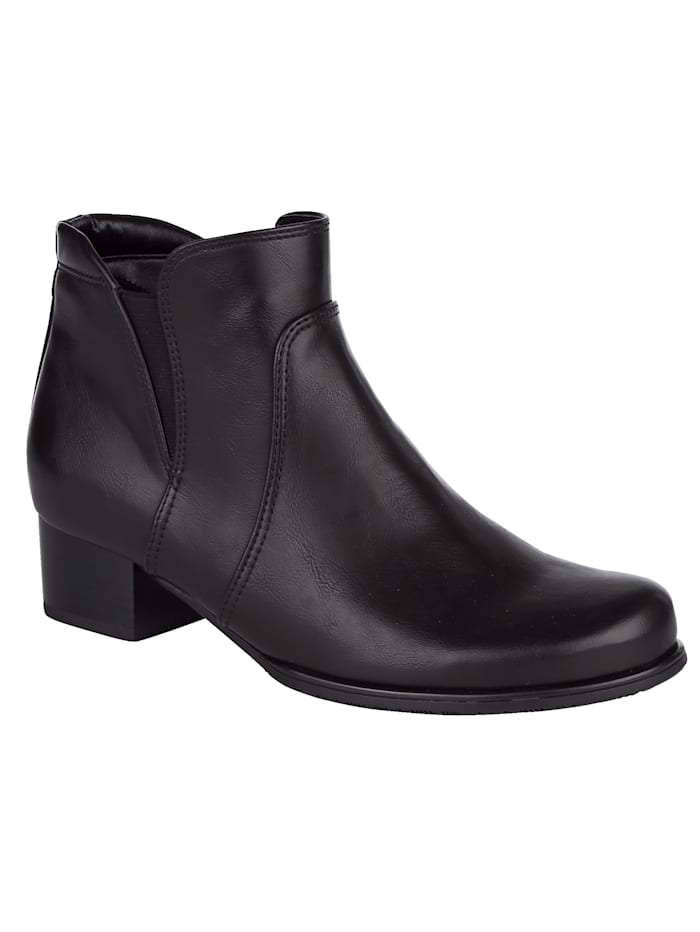 Ankle boots with a cosy lining