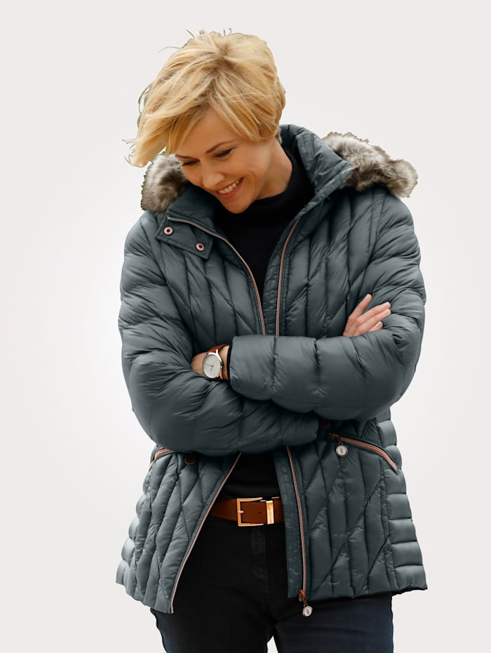 Quilted jacket with pink zip