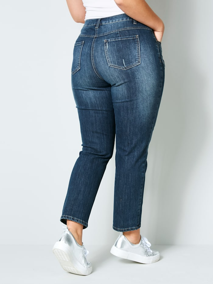Smala jeans i stora storlekar