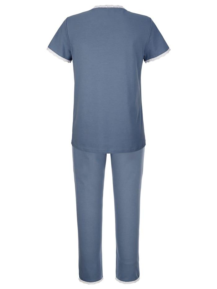 Pyžama s peknou výšivkou a saténovými mašličkami na vrchnom diele