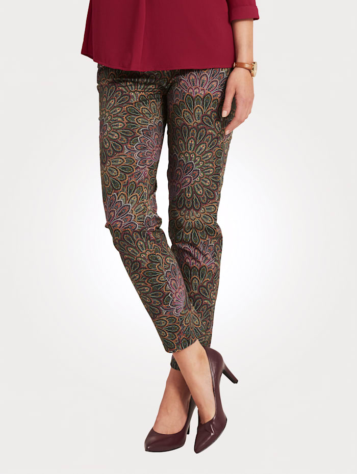Trousers with on-trend paisley print
