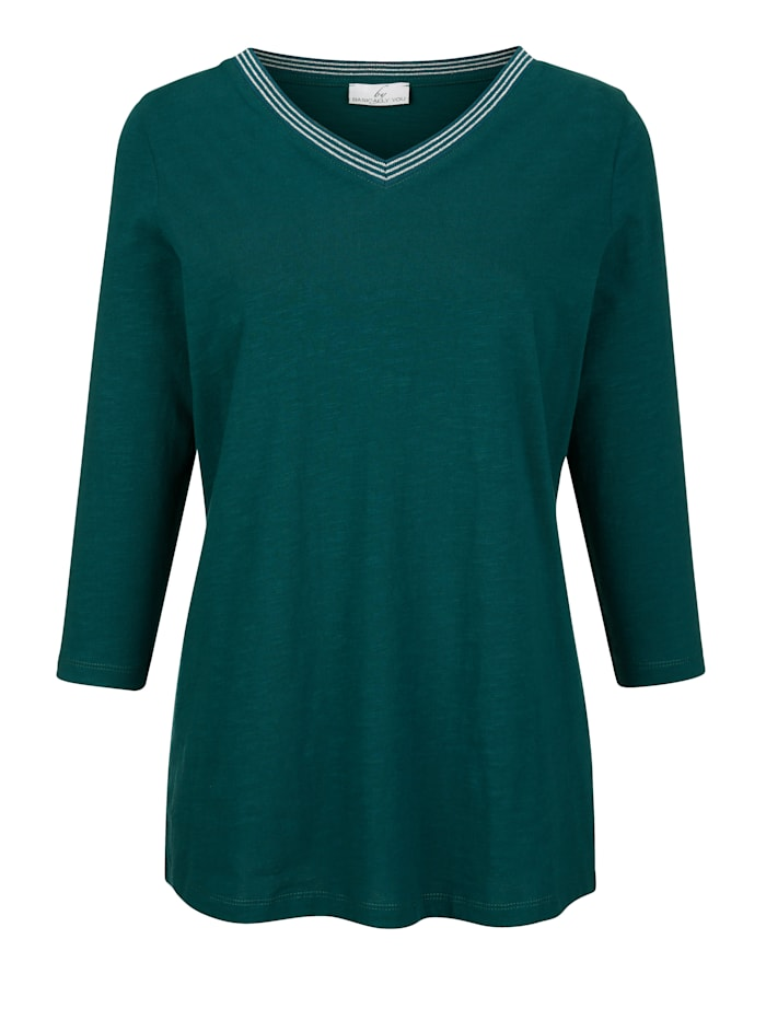 Tričko s lesklou priadzou na výstrihu do V