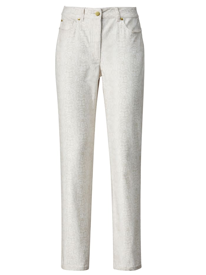 Trousers with a hint of stretch for added ease and comfort