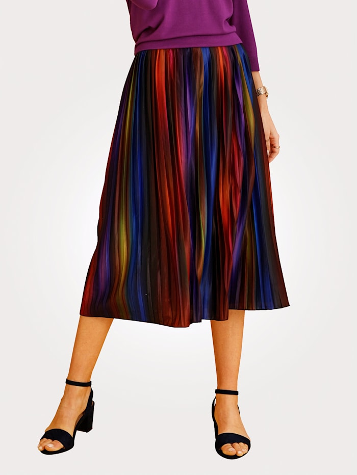 Pleated skirt with elasticated waist