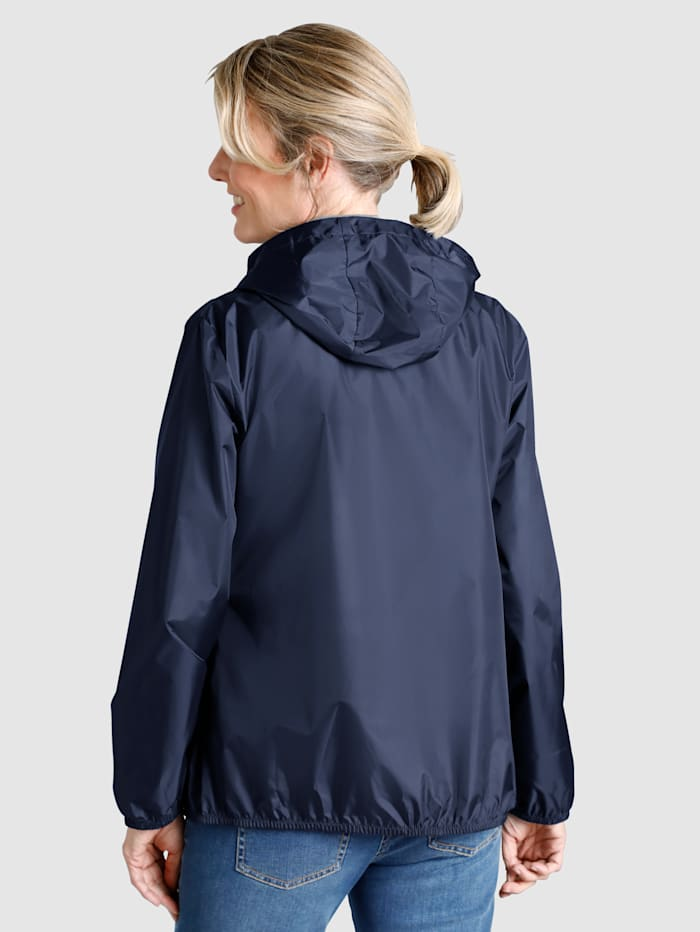Hupullinen kevyt takki
