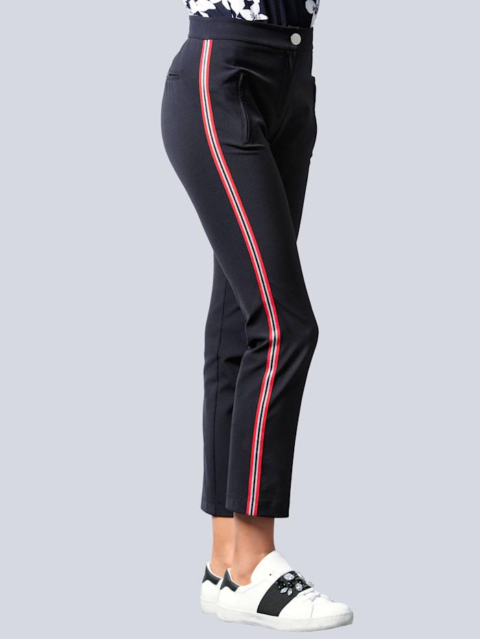 Nohavice s kontrastnými galónovými prúžkami