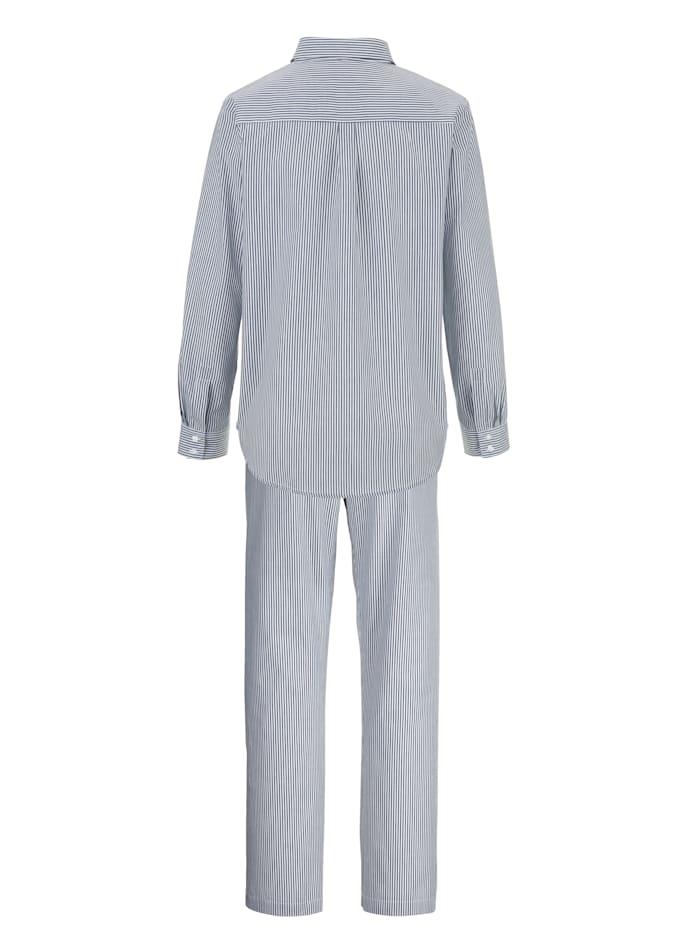 Schlafanzug mit angesagtem Hemdkragen