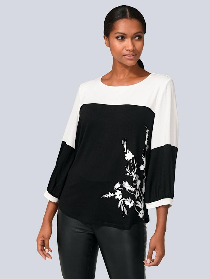 Shirt in modischem Colour Blocking