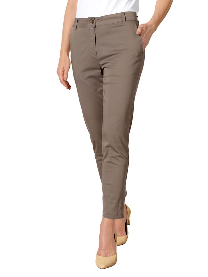 Pantalon chino 7/8 à plis permanents allongeants