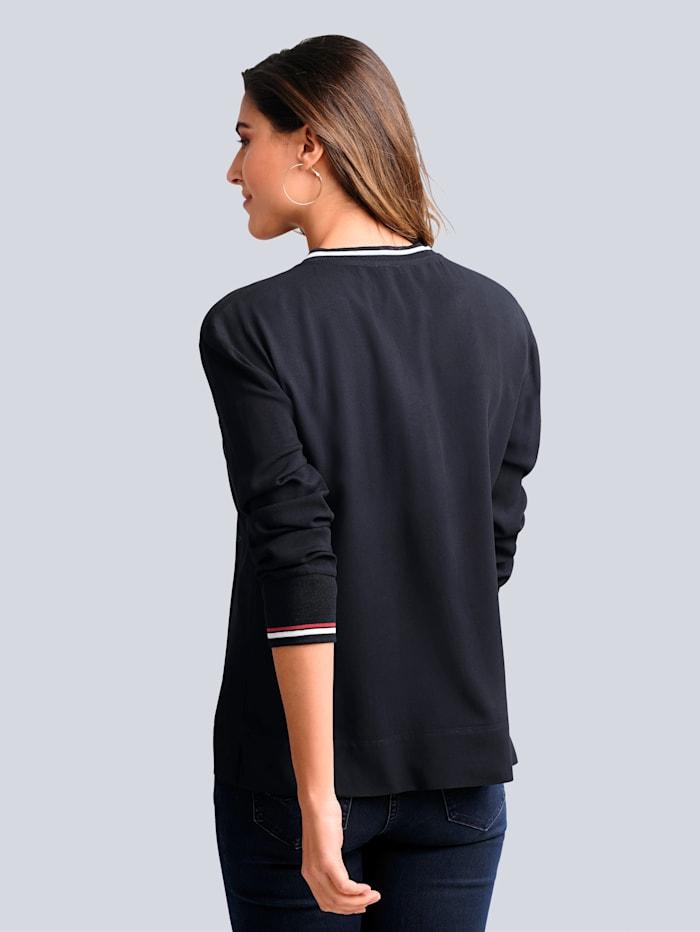 Bluse mit kontrastfarbener Blende im Vorderteil