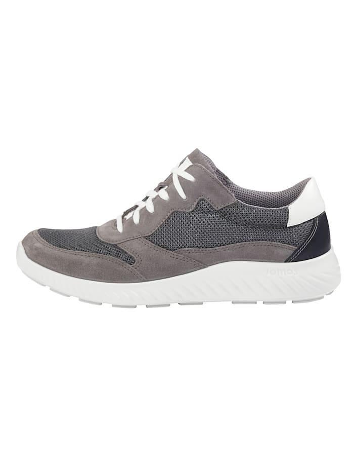 Schnürschuh mit moderner Laufsohle